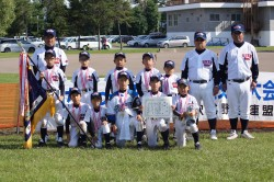 2011空知3・4年生交流大会で優勝した雨竜ドラゴンズの選手たち