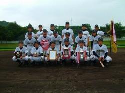 優勝の旭川大雪ウィナーズの選手たち
