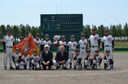 遠軽支部代表の遠軽西ファイターズの選手たち(写真:チーム提供)