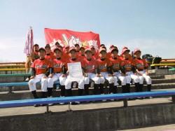 優勝した滝川少年野球倶楽部の選手たち(写真:チーム提供)