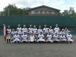 優勝の名寄東中学校の選手たち(写真:チーム提供)