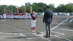 選手宣誓する千歳ブラックバードの白田主将