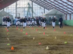 冬季練習に励む選手たち=平成28年11月札幌真駒内長沼室内練習場
