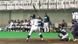 予選リーグ広島戦で先制打を放った前田空選手(写真は新旧対決より=平成28年12月・つどーむ)