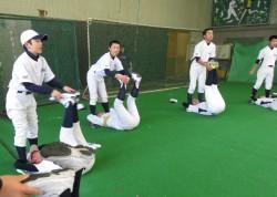 冬季練習に励む札幌白石シニアナイン=平成28年1月・江別市美原